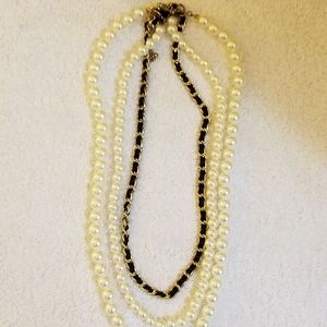 New Directions Pearls and Chain Necklace Gold
